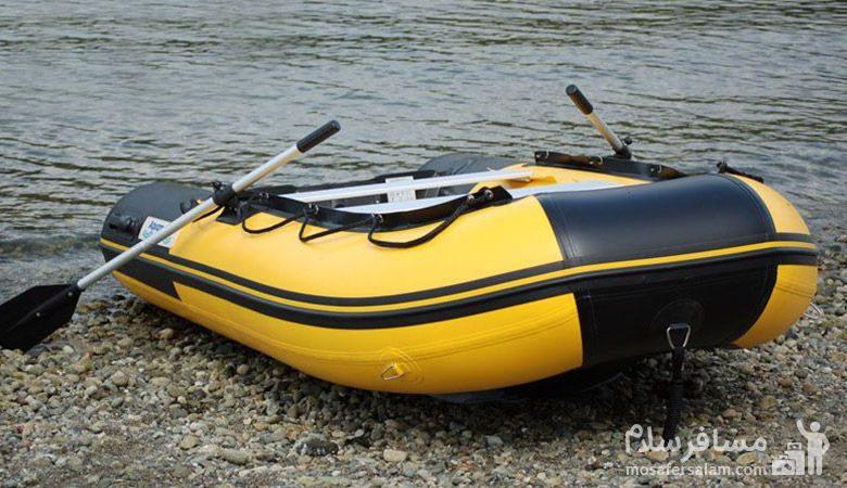 قایق بادی در دریاچه تار
