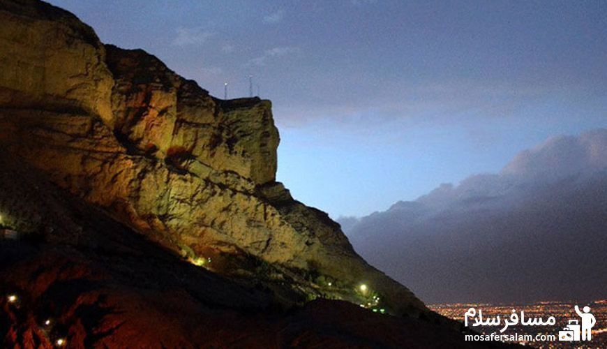 کوه زیبای صفه