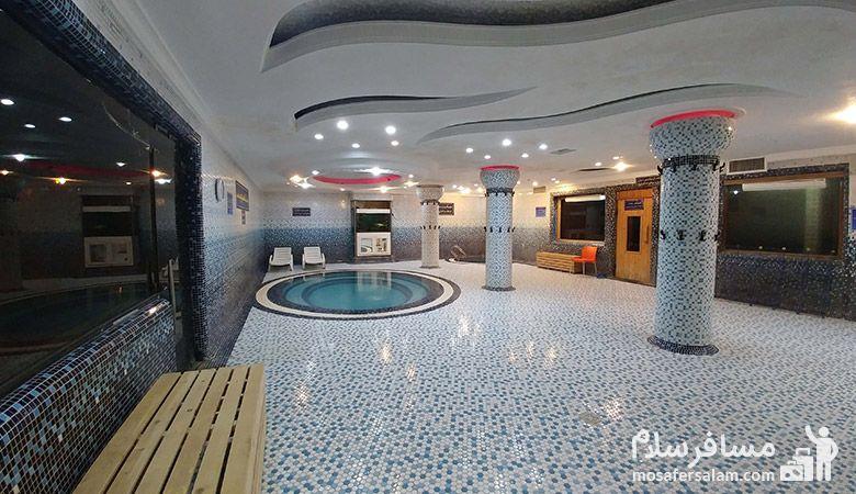 استخر هتل پارسیان