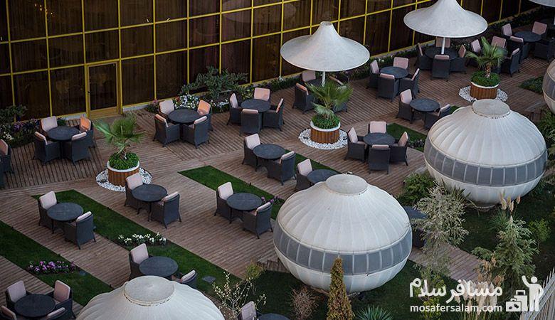باغ بام هتل آرمان مشهد، رستوران هتل آرمان مشهد، رزرواسیون مسافرسلام