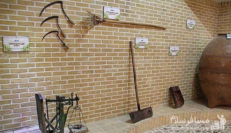 ابزار کشاورزی در موزه نان مشهد