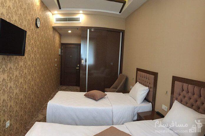 هتل آزادی تبریز، دوتخته توئین