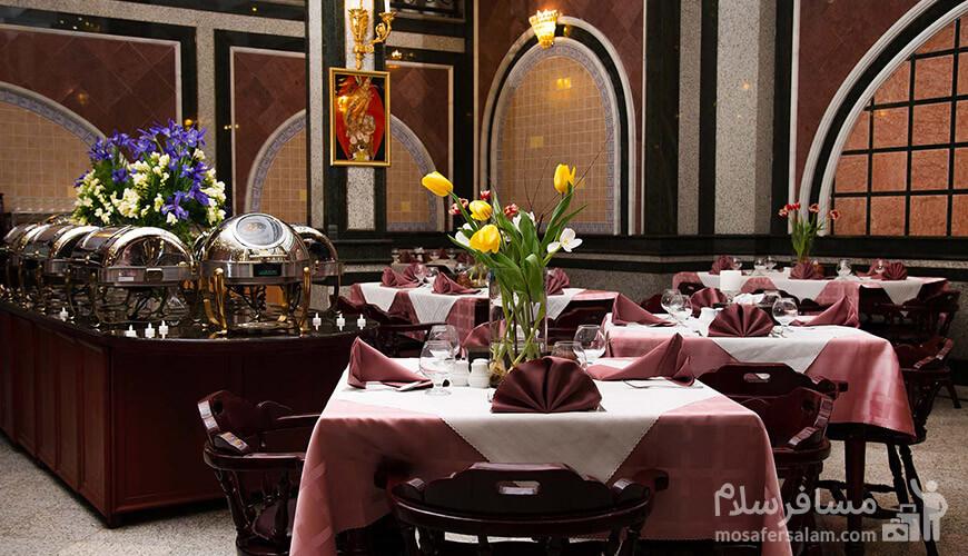 هتل بین المللی قصر, رستوران مرسده