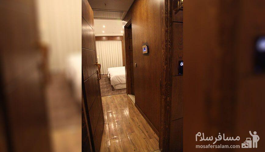 هتل آدینا مشهد ورودی اتاق