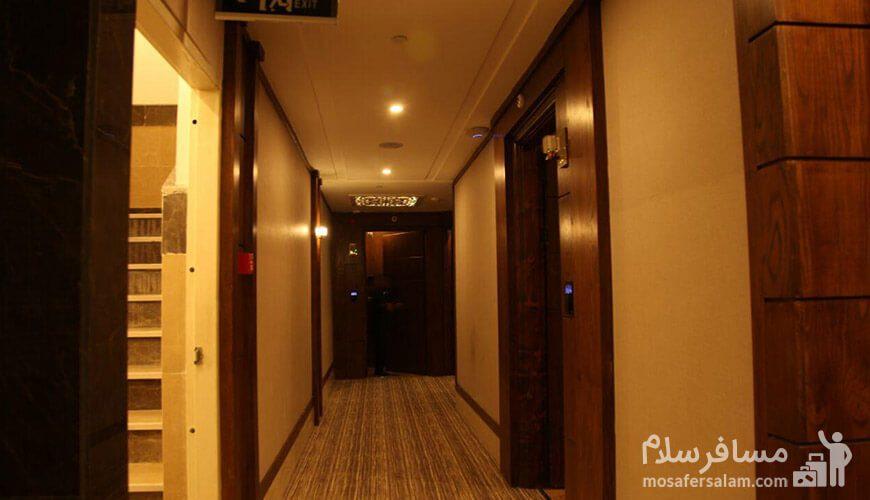 هتل آدینا مشهد راهرو اتاق ها