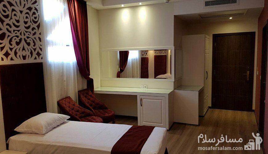 هتل نسیم مشهد نمای اتاق سهتخته