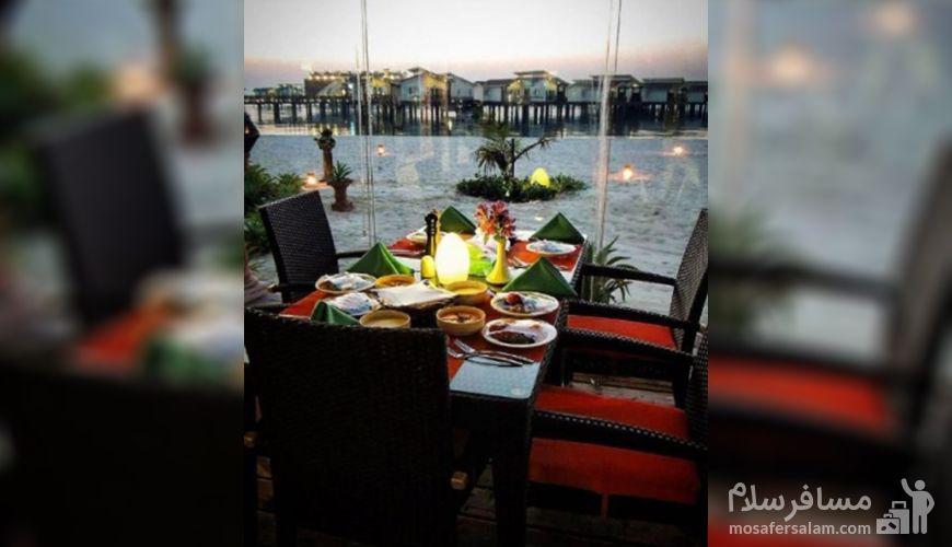 رستوران تاج ترنج هتل ترنج کیش، رستوران دریایی