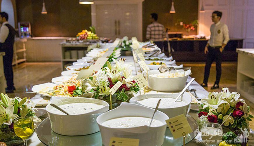 غذا رستوران هتل اسپیناس پالاس, رستوران لاتون