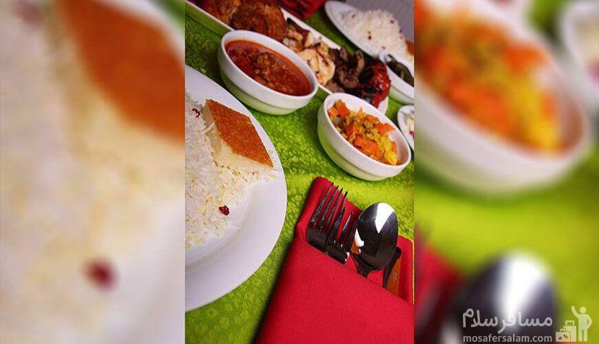 میز غذا رستوران هتل صدرا مشهد