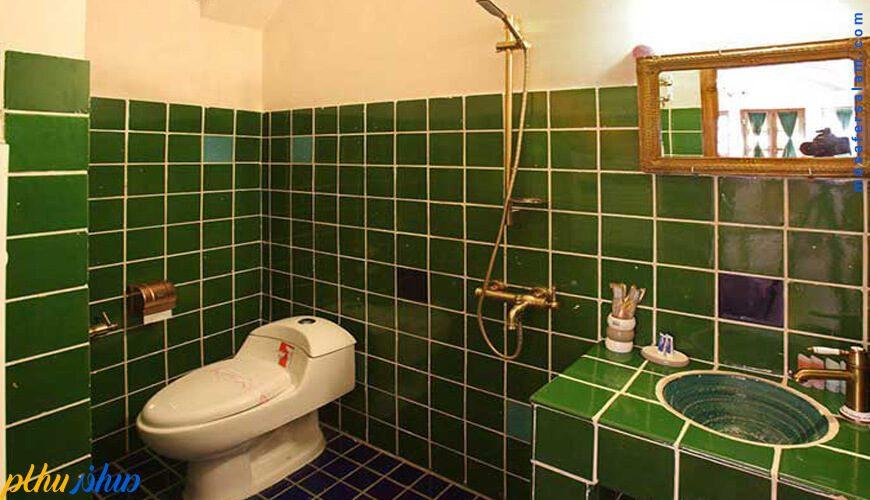 سرویس بهداشتی خانه سنتی ادیب کاشان