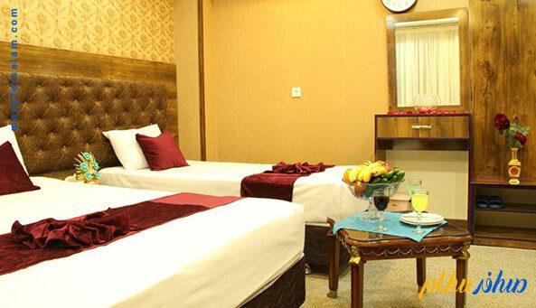 اتاق سه تخته هتل عقیق مشهد