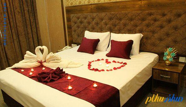 اتاق ماه عسل هتل عقیق مشهد